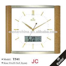 Plastic wall clock and calendar display date week temperature