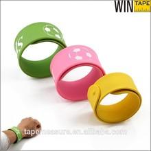 OEM sports cheap personalized custom silicone slap bracelet