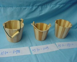 Solid wooden bucket