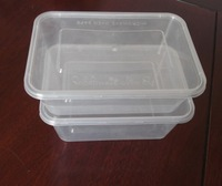Plastic microwave safe disposable container