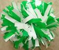 de plástico de color verde y blanco porras mango pom poms