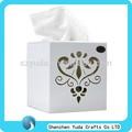 meilleure vente de mini square acrylique boîte de tissu avec des motifs gravés au laser