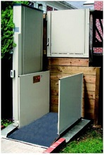 electric wheelchair lift for disabled people