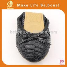 2015 New fashion design flat black lady shoes guangzhou