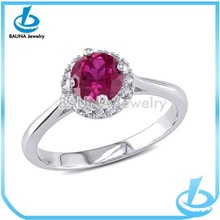 Hot sale elegant engagement ring for beautiful ladies silver red stone ring