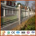 jardín decorativo de privacidad de fundición de aluminio valla de hierro forjado y puertas en la acción