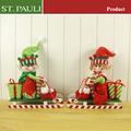 Adorno de interiores de madera trineo de la navidad con elf