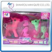 Mini Qute 10 cm 2 unid kawaii americano de látex del cabrito de moda muñeca de plástico modelo educativo del juguete pequeño caballo zapatos NO.YS0801-5
