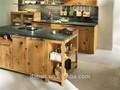 cozinha gabinete de artesanato com o armário de cozinha portas de vidro