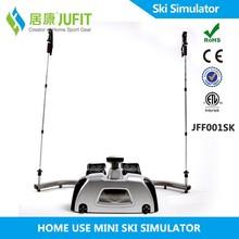 Intérieur professionnel d'attractions. skieur fitness. ski, formateur simulateur pour le ski