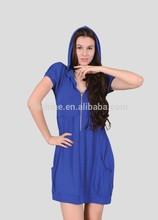 The merino wool half-zip and short sleeve dress of women