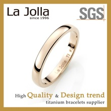 Luxury Golden Men Titanium Wedding Ring for Couple
