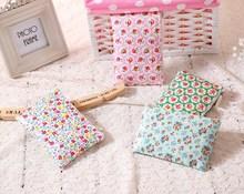 Beautiful Flower Printing Convenient Small Puse Oil Cloth Zipper Pocket Fashion Waterproof Mini Cosmetic Bag