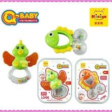 Q-bebê atacado mini plástico engraçado do bebê rattle squeaky brinquedos