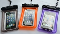 Inflatable pvc waterproof bags for htc with earphone and string