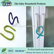 child proofing cabinet handle lock