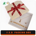 Top qualité populaire. décoratifs. boîtes cadeaux en carton avec du ruban
