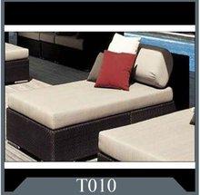 Comfortable rattan wicker lounger indoor and outdoor purposes