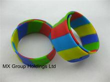 Customized Logo glow in dark slap bracelet,High quality glow in dark slap bracelet,Hotess promotion glow in dark slap bracelet
