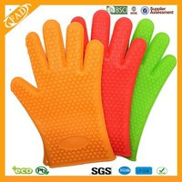 Non stick heat insulating silicone baking glove for bakery
