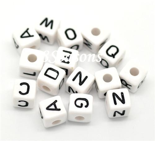 Karışık beyaz kübik alfabe/Letter boncuk 10mm x 10mm