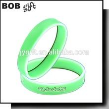 2015 Sports Theme OEM silicone wrist band/personalized silicone bracelet
