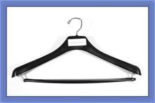 "18"" Top Hanger with wooden bar"