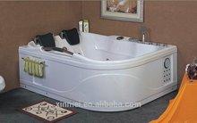 2015 new design standard acrylic massage bathtub