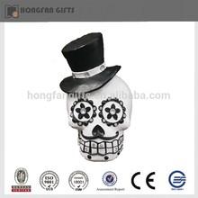 Hotsale white halloween resin skull with black hat