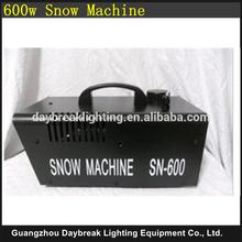 Stage snow machine Remote control / Wire control snow spray maker machine DJ Disco Party Show Snow Effect 600w mini small
