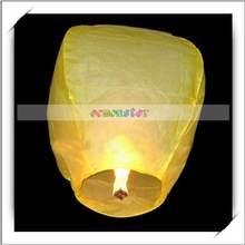 2012 Popular!!! 50pcs/pack Yellow Paper Flying Lighted Lanterns -W00904