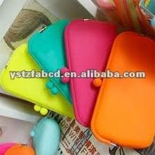 2012 Fashion Eco-friendly Girls Silicone Cosmetic Bag Free Sample
