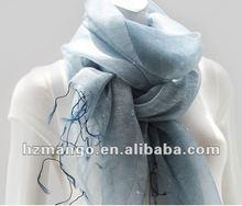 Latest fashion Beautiful scarf decorate with dot
