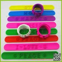 2012 Compare New fantastic silicone snap bracelets manufacturer wholesale