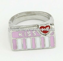 valentine's fashion ring ,special gift for lovers,kiss me word ring