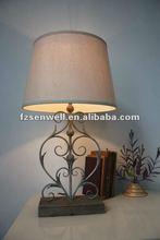 Metal flower body table lamp