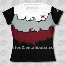 Fertigt für Hemd der Männer kundenspezifisch an