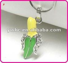 Mangnetic diamond enamel banana necklace(A108805)