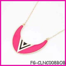 2013 China USA and Europe Fashion golden punk gothic pendant necklace red triangle direction horn charm wholesale sports charms