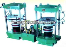 Vulcanizing press equipment for waste tyre