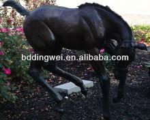life size bronzen horse statue