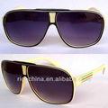 gafas de sol de los aviadores de rico