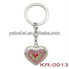 2012 promotional diamond metal fashion heart design keychain