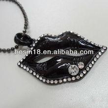 Exquisite Novelty Black lip Necklace Stone Necklace With CZ Diamond