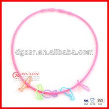 2012 nice design top fashion silicone necklace
