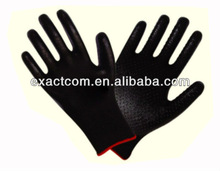 13 GUAGE NYLON GARDEN SAFETY BLACK POLYESTER LINED GLOVE COATED WITH BLACK NITRILE DOTS ON PALM
