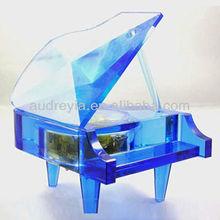 Nice design crystal piano wedding favors