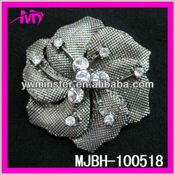 fancy cheap girl's clear crystal rhinestone brooch and pins