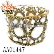 white gold plated bracelet bottom AA01447