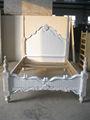 Antiguo cama de estilo europeo cama